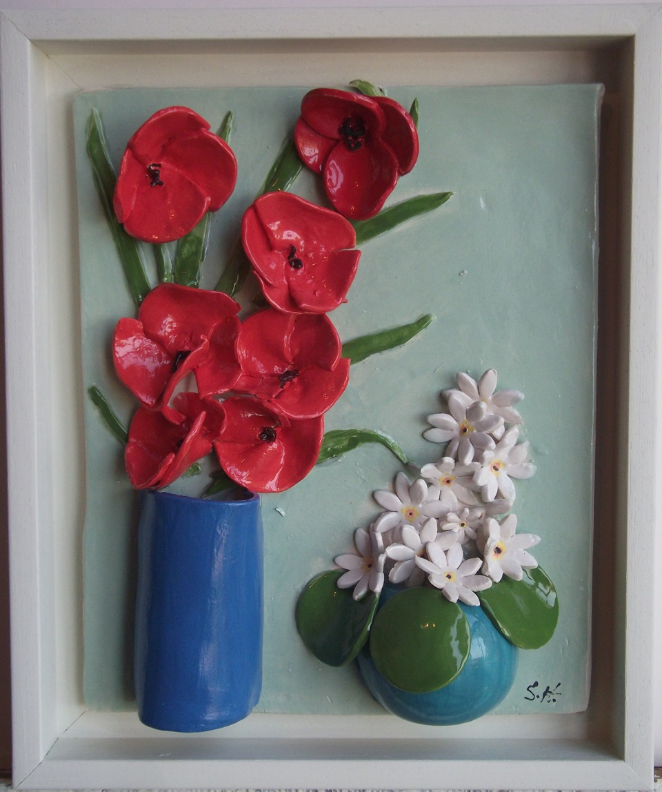 2 flower vases