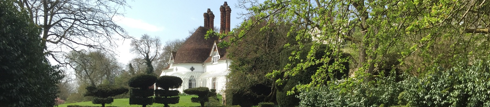 Houghton-Lodge-Gardens