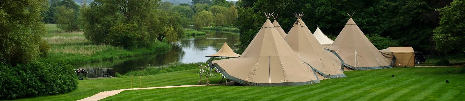 Houghton-Lodge-Wedding-Tipis