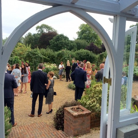 Why choose an outside wedding?